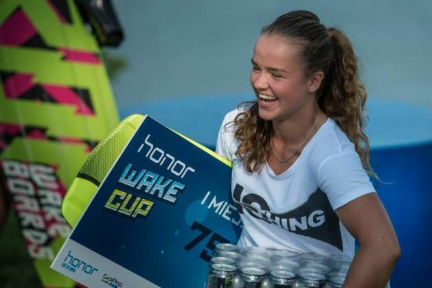Magda Kado - Honor Wake Cup